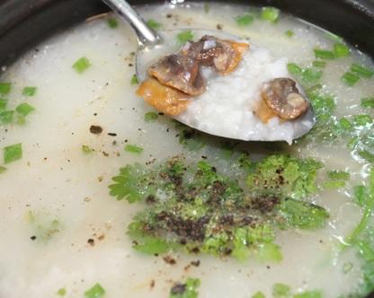 Cách nấu cháo sò huyết thập cẩm bổ dưỡng, cach nau chao so huyet thap cam bo duong