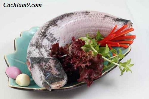 Nguyên liệu làm cá lóc kho - Làm sạch cá lóc trước khi kho