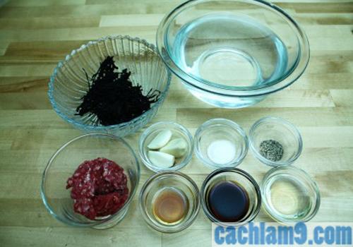 Chuẩn bị nguyên liệu nấu canh rong biển