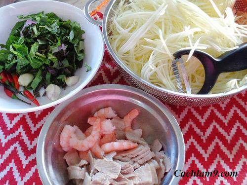 Làm gỏi đu đủ kết hợp tôm và thịt thơm ngon, dễ ăn