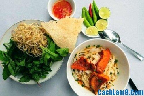 Hướng dẫn cách làm mì Quảng ăn kèm các loại rau thơm ngon nhất