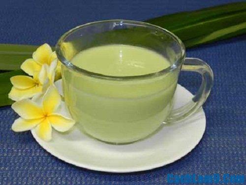 Tự làm và thưởng thức sữa đậu xanh tại nhà