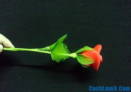 Hoàn thành cành hoa hồng bằng vải voan