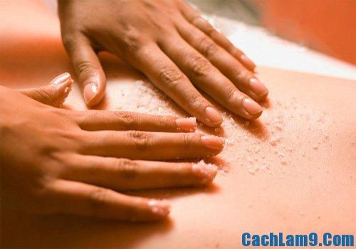 Sử dụng muối hạt to để giảm mỡ bụng hiệu quả
