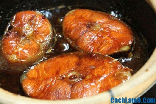 Các bước làm cá ngừ rim tỏi ớt