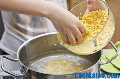 Thực hiện nấu chè sầu riêng đậu xanh