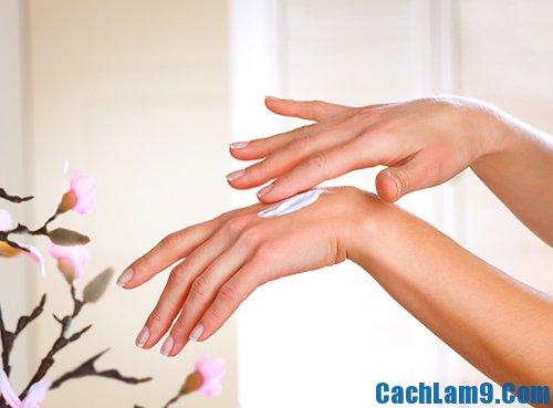Dưỡng ẩm và massage để có đôi tay đẹp, duong am va massage de co doi tay dep