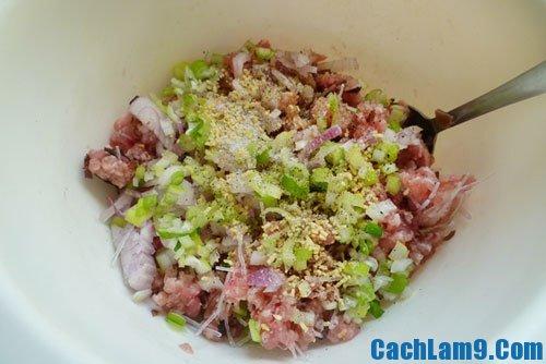 Sơ chế nguyên liệu làm đậu phụ sốt thịt băm