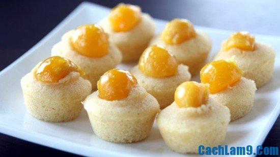 Cách làm bánh bông lan trứng muối ngon, lạ miệng