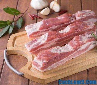 Chuẩn bị nguyên liệu làm thịt ba chỉ kho dừa, chuan bi nguyen lieu lam thit ba chi kho dua
