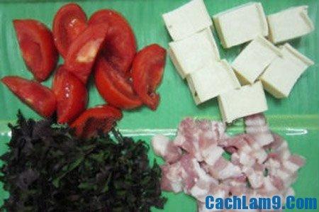 Sơ chế nguyên liệu làm canh cà nấu bung