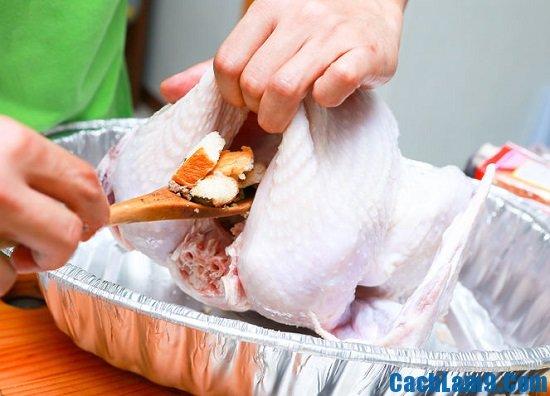 Hướng dẫn cách làm gà tây nhồi thập cẩm