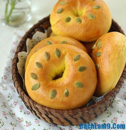 Cách làm bánh mì bí đỏ