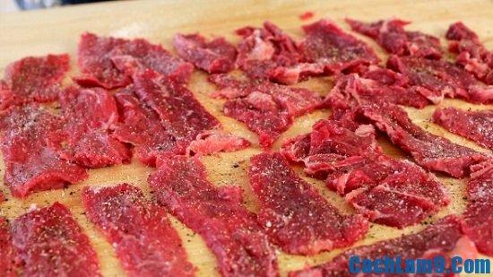 Hướng dẫn làm bánh thịt bò áp chảo