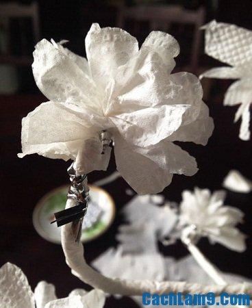 Hướng dẫn làm hoa đào từ giấy trắng