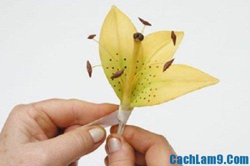 Hướng dẫn cách làm hoa ly từ đất sét