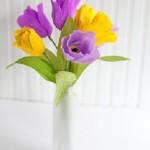 Cách làm hoa tulip bằng giấy nhún trang trí phòng đẹp