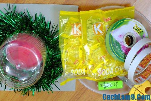 Cách làm quả dứa từ kẹo oishi