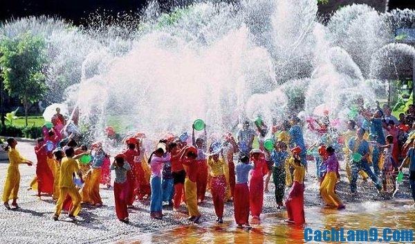 Lễ hội té nước Songkran ở Thái Lan