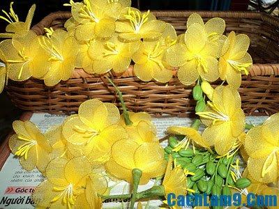 Hướng dẫn làm hoa mai bằng vải voan
