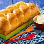 Cách làm bánh mì hoa cúc thơm ngon ngất ngây