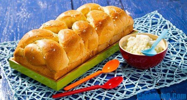 Cách làm bánh mì hoa cúc thơm vàng ngon ngọt: Bí quyết làm bánh mì hoa cúc tại nhà