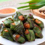 Cách làm gà gói lá dứa ngon lạ đúng chuẩn người Thái
