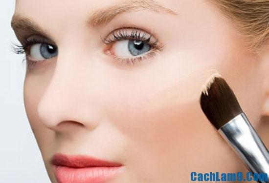 Cách chọn phấn trang điểm hợp da, làm sao để chọn được loại phấn trang điểm hợp với da nhất?