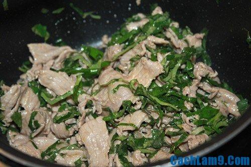 Thực hiện cách làm thịt bò xào lá lốt