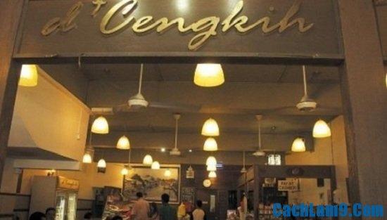 Du lịch Kuala Lumpur nên ăn ở đâu? D'cengkih, địa chỉ nhà hàng ăn ngon, giá rẻ và đông khách nhất ở Kuala Lumpur