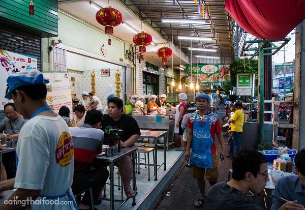 15 quán ăn ở Thái Lan ngon, rẻ, đẹp: Quán ăn Hia Wan Khao Tom Pla