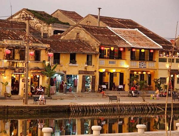 Địa điểm du lịch Đà Nẵng dịp lễ tình yêu 14/2: Phố cổ Hội An