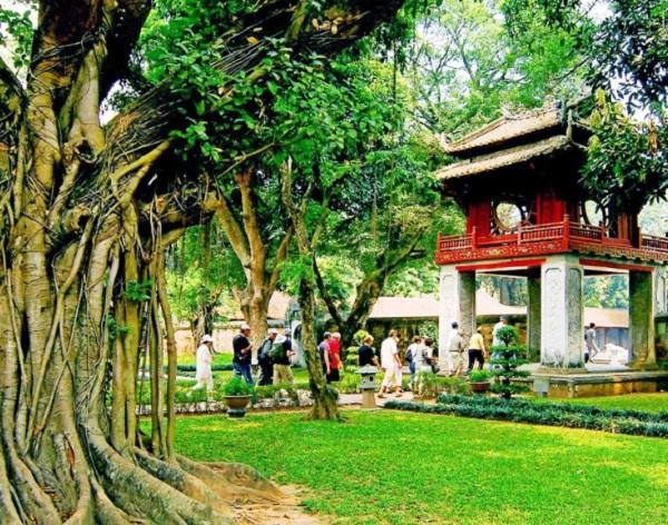 Địa điểm tham quan ở Hà Nội. Địa điểm tham quan ở Hàn Nội hấp dẫn nhất. Văn Miếu – Quốc Tử Giám
