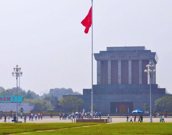 Địa điểm tham quan ở Hà Nội. Quảng trường Ba Đình – Lăng Bác