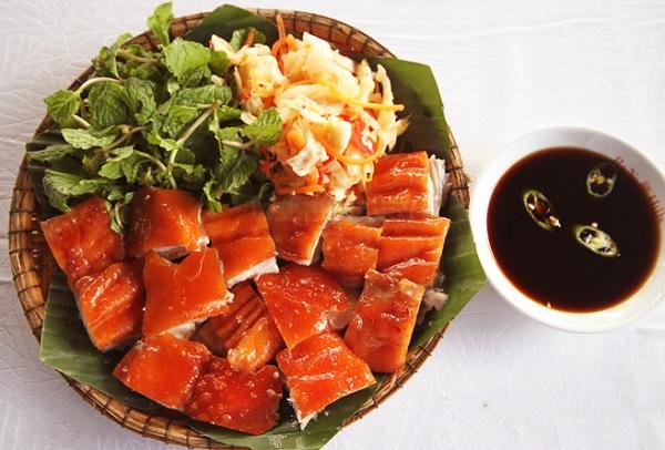 Những món ăn ở Sapa. Món ăn hấp dẫn ở Sapa. Thịt lợn cắp nách