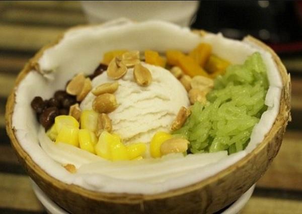 Những món ăn ở Thái Lan. Kem xôi dừa. Món ăn đường phố ở Thái Lan