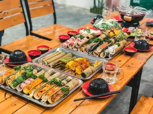 Những quán ăn ở Đà Lạt ngon. Địa chỉ quán ăn giá rẻ ở Đà Lạt. Tre trăm đốt BBQ – Nướng & lẩu