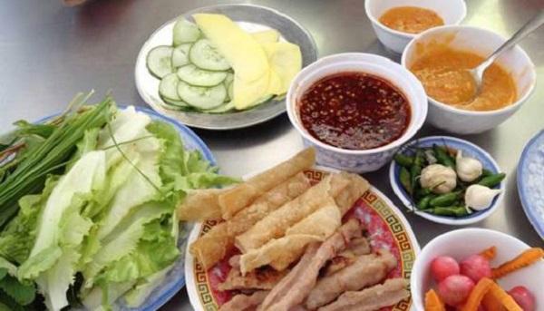 Quán ăn ở Nha Trang ngon, bổ, rẻ: Quán nem nướng Đặng Văn Quyên