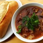 Chuẩn bị nguyên liệu và học cách làm thịt bò kho cà chua đơn giản mà ngon